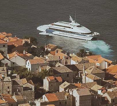 Catamaran Hvar